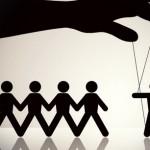 manipulacje ludzmi